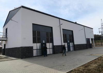 1.SE 110/15kV Rzeszów Staroniwa - Widok budynku od strony komór transformatorowych 110/15kV
